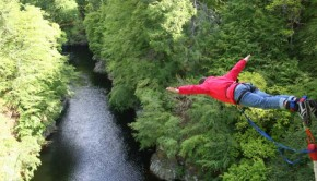 Bungee jumping stag weekends